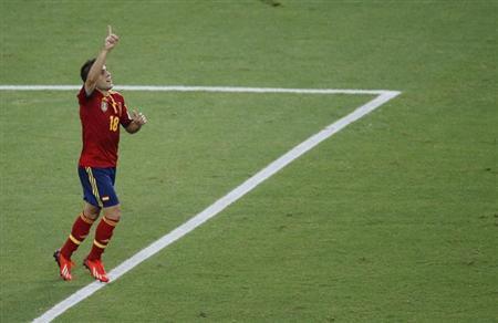 ثنائية البا تقود اسبانيا للفوز الثالث في كأس القارات