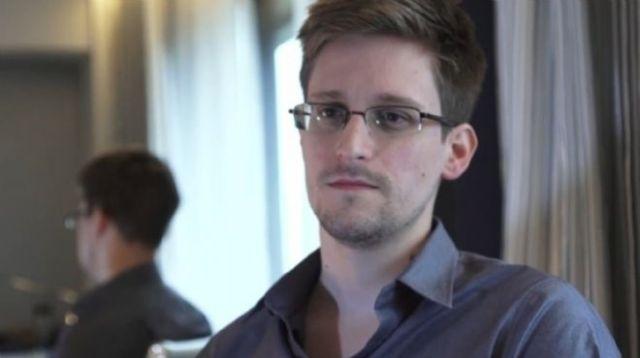 120185_660_Edward-Snowden